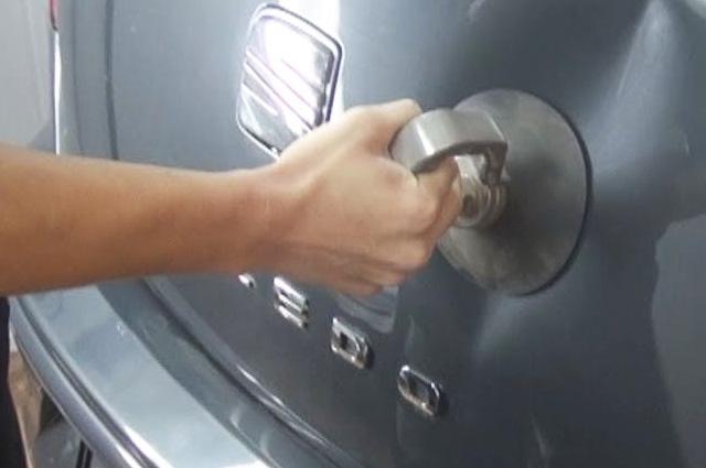 Заказать Вытягивание вмятин автомобиля в Санкт-Петербурге